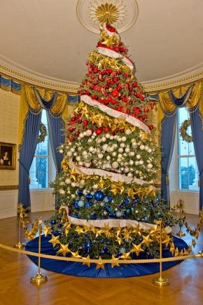 L'albero ufficiale della Casa Bianca, 2 dicembre 2015.  (Ron Sachs/picture-alliance/dpa/AP Images)